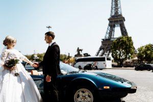 photo of newlywed in paris 1486101 300x200 - Samochody do ślubu – na co warto się zdecydować?