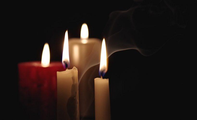 candle 2909301 1280 820x500 - Zabawy na andrzejki dla młodszych i starszych