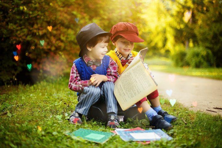 read 4208554 1280 720x480 - Nauka angielskiego dla dzieci – z jakich rozwiązań warto skorzystać?