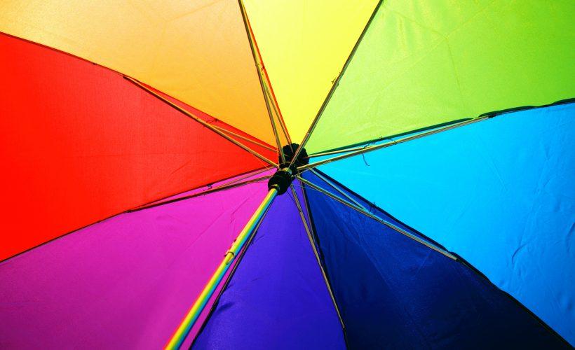 pexels sharon mccutcheon 1146851 820x500 - Kolory komplementarne, czyli zestawienia przyjemne dla oka